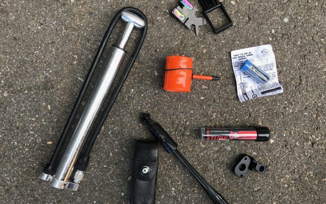 Diese 7 + 2 Teile gehören in deinen Bikerucksack