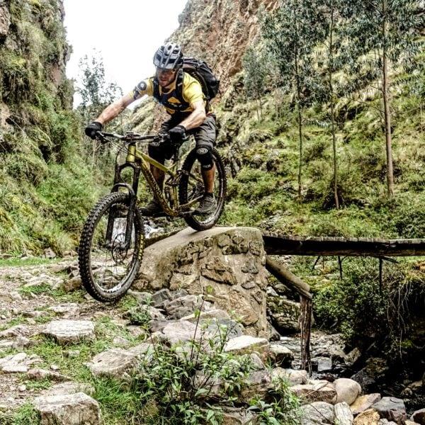 Sacred Trails Peru Banner Mountainbike Mountainbikereisen MTB